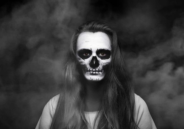 ghost-1675154_1920.jpg
