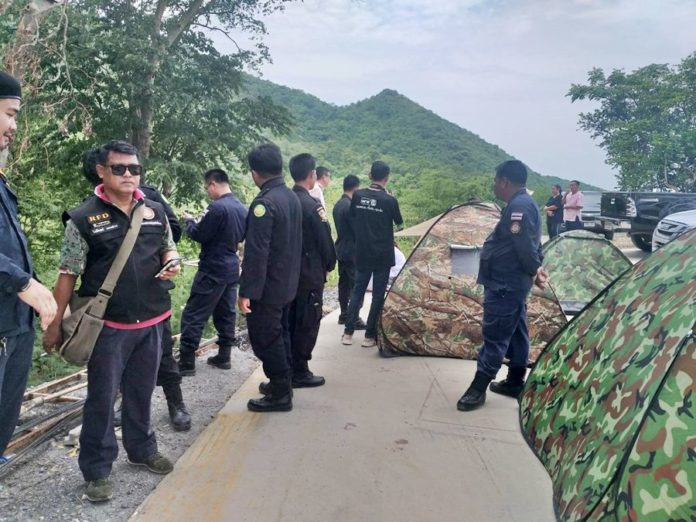 Police and Forestry officials at Khao Kala mountain in Thailand's Nakhon Sawan province on August 16th.  (Khao Sod)