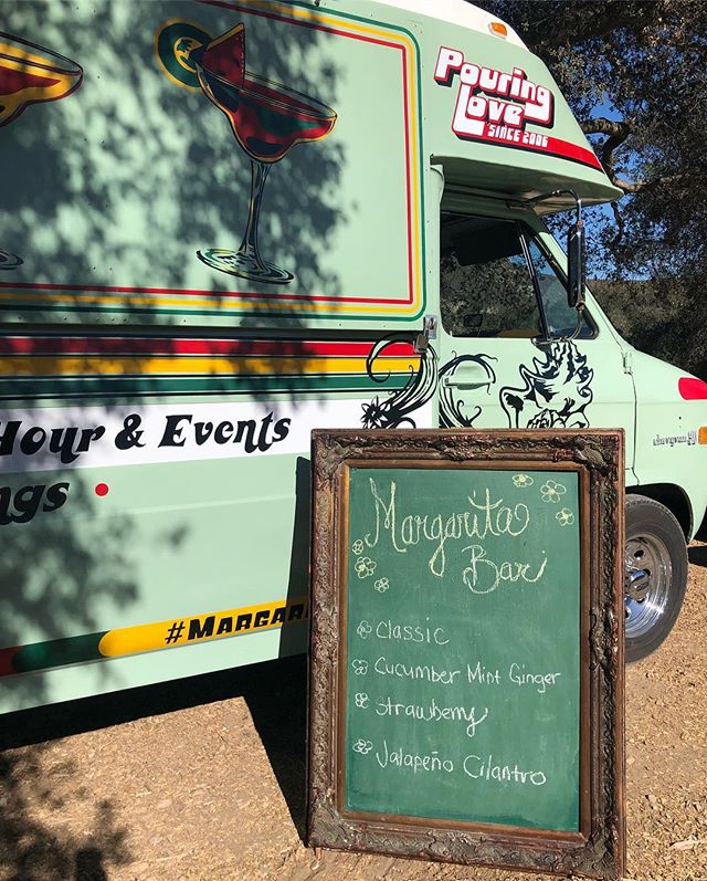 Margaritas to go! Our wedding near Santa Barbara is kicking off with a #margaritatruck and tacos 🌮