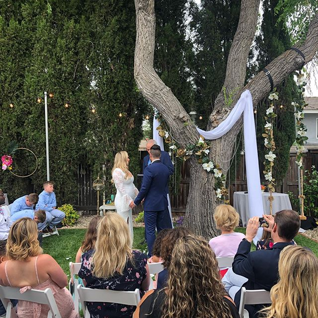 It was a beautiful backyard wedding for Gina and Jason on Saturday!  #losangeleswedding #socalwedding #backyardwedding #diywedding #weddingplanner #coordinatedbydetailed #weddingcoordinator #summerwedding