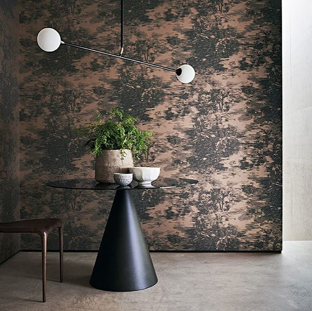 Utterly stunning, Mizumi , the new collection from Black Edition ... Through a collaboration with Japanese artist, Katsutoshi Yuasa, Black Edition have embarked on an exploration of time-honoured Japanese printmaking practises... #interiors123 #wallpaper #interiordesign #metallic #luxury