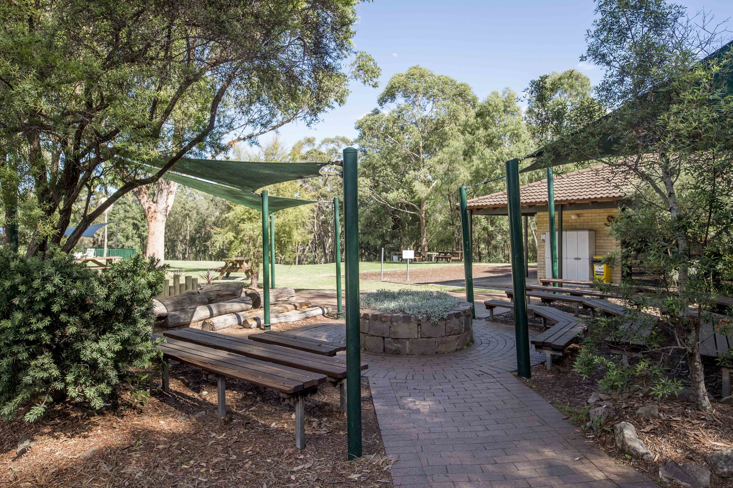 Blue Gum Lodge - Fresh mountain air with an easily accessible location, for groups looking to leave the city behind.