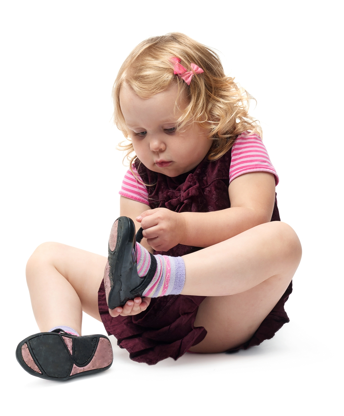 girlp putting on shoe.jpg