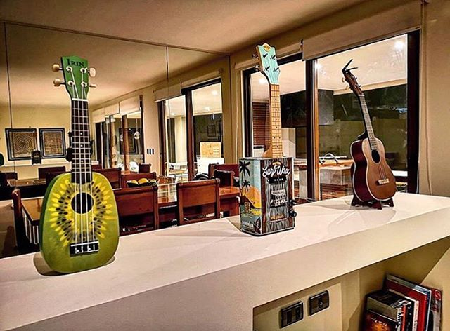 Sweet Uke collection 🤙. Reposted from @felipeatton 👏. #ukelife #ukulele #oilcanukulele