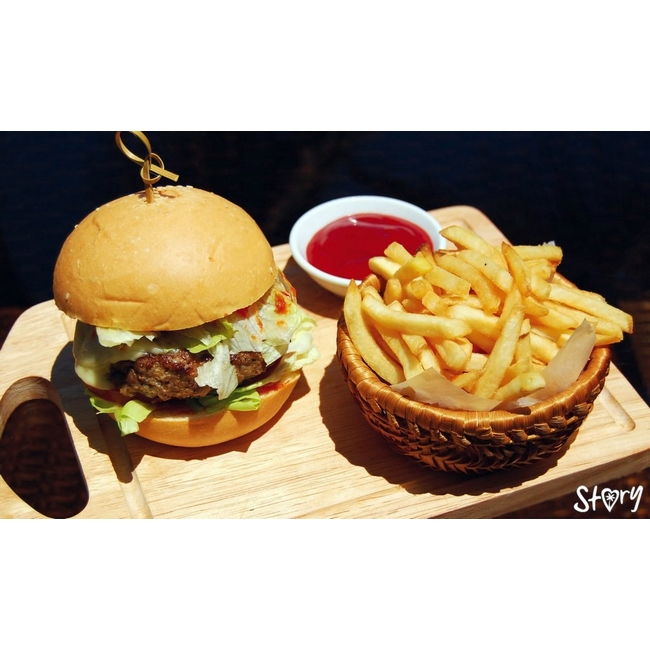 Роял бургер с говядиной.jpg