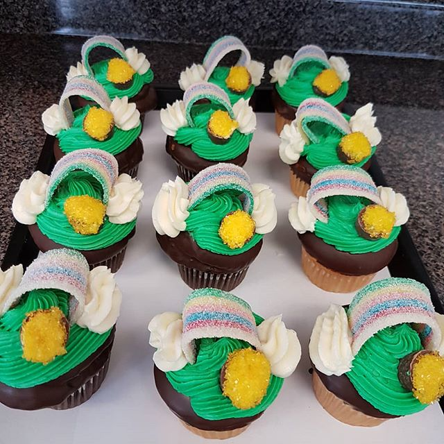At the end of the rainbow is the pot of gold. St. Patrick's day  cupcakes. While they last! #viennabakery #yeglocal #yegstpaddys #yegsmallbusiness #yeg #yegbuylocal #yegstpatricksday #cupcakes#stpatricksday #stpaddysday