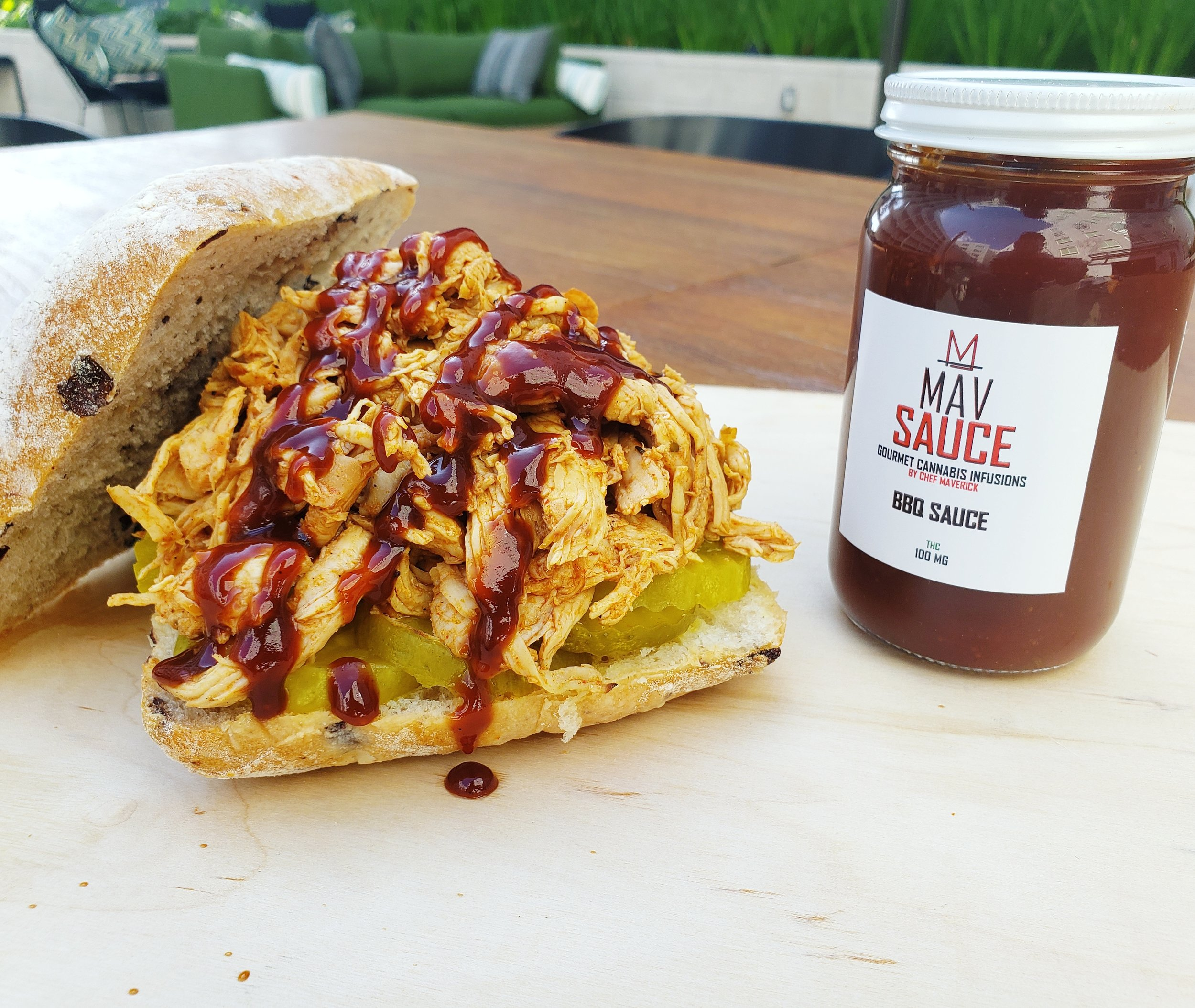 MEMPHIS SWEET & SPICY BBQ SAUCE   CHEF MAVERICK'S SPECIAL RECIPE MEMPHIS SWEET & SPICY BBQ SAUCE BRINGS THAT SWEET HEAT YOU ARE SURE TO LOVE.   AVAILABLE DOSES : 8 OZ - 100 MG   GLUTEN FREE, SOY FREE