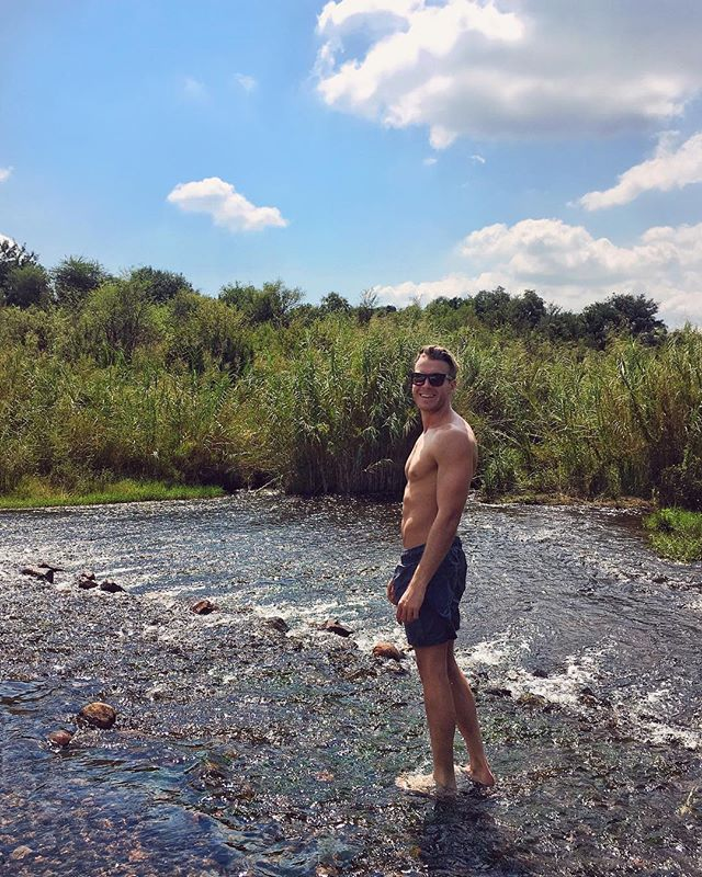 Who needs a pool when you've got this crystal clear river! 🐒💦🌍 #Limpopo @ph1ll1pnel