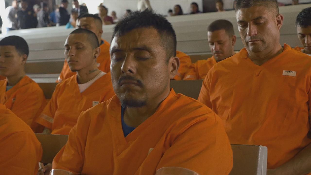 Los internos y el personal de esta prisión son una parte muy importante de  Choice , junto con muchas otras historias de gente que ha encontrado la paz contra a todas las posibilidades.