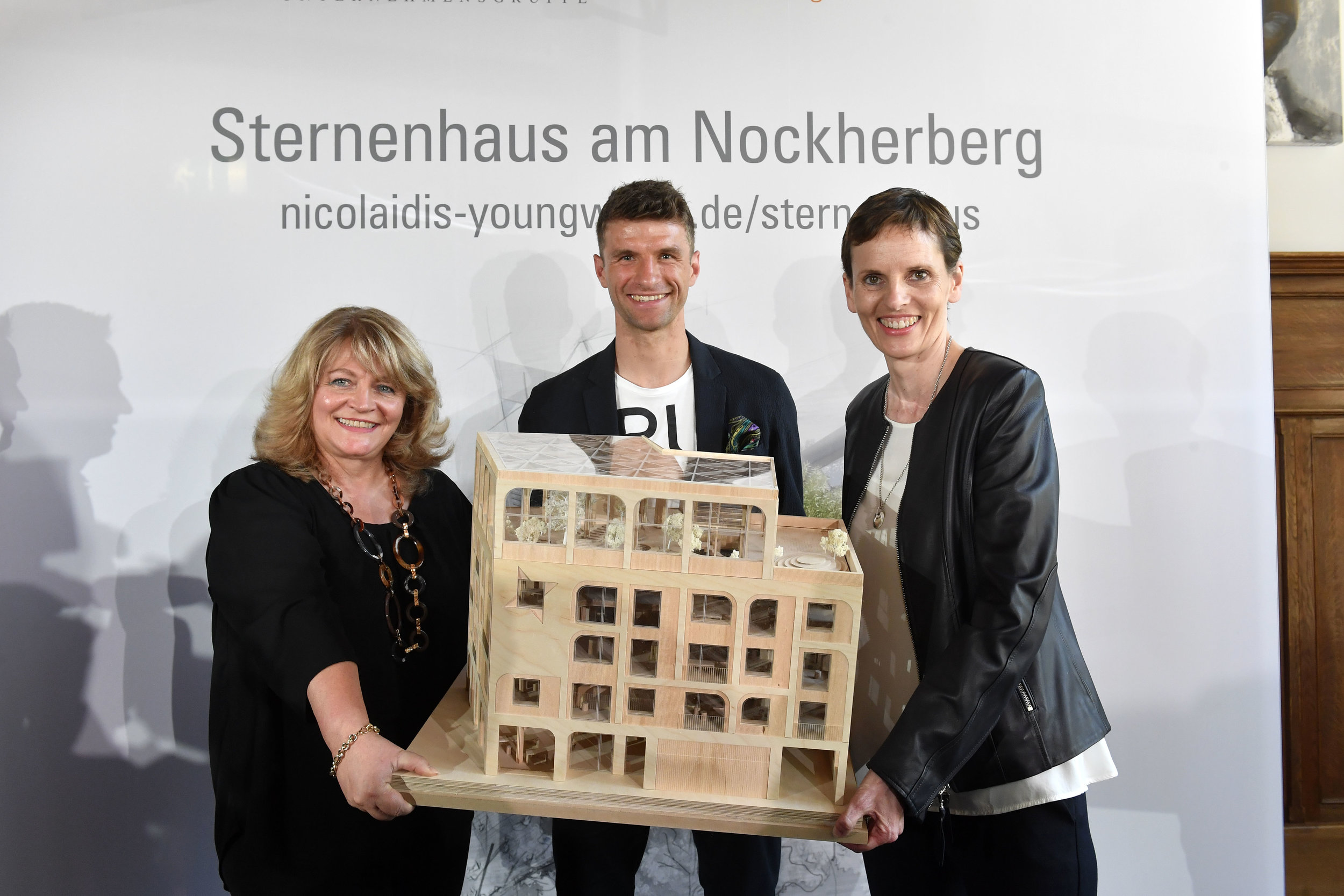 BU: (v.l.n.r.) Alexandra Schörghuber, Thomas Müller und Martina Münch-Nicolaidis