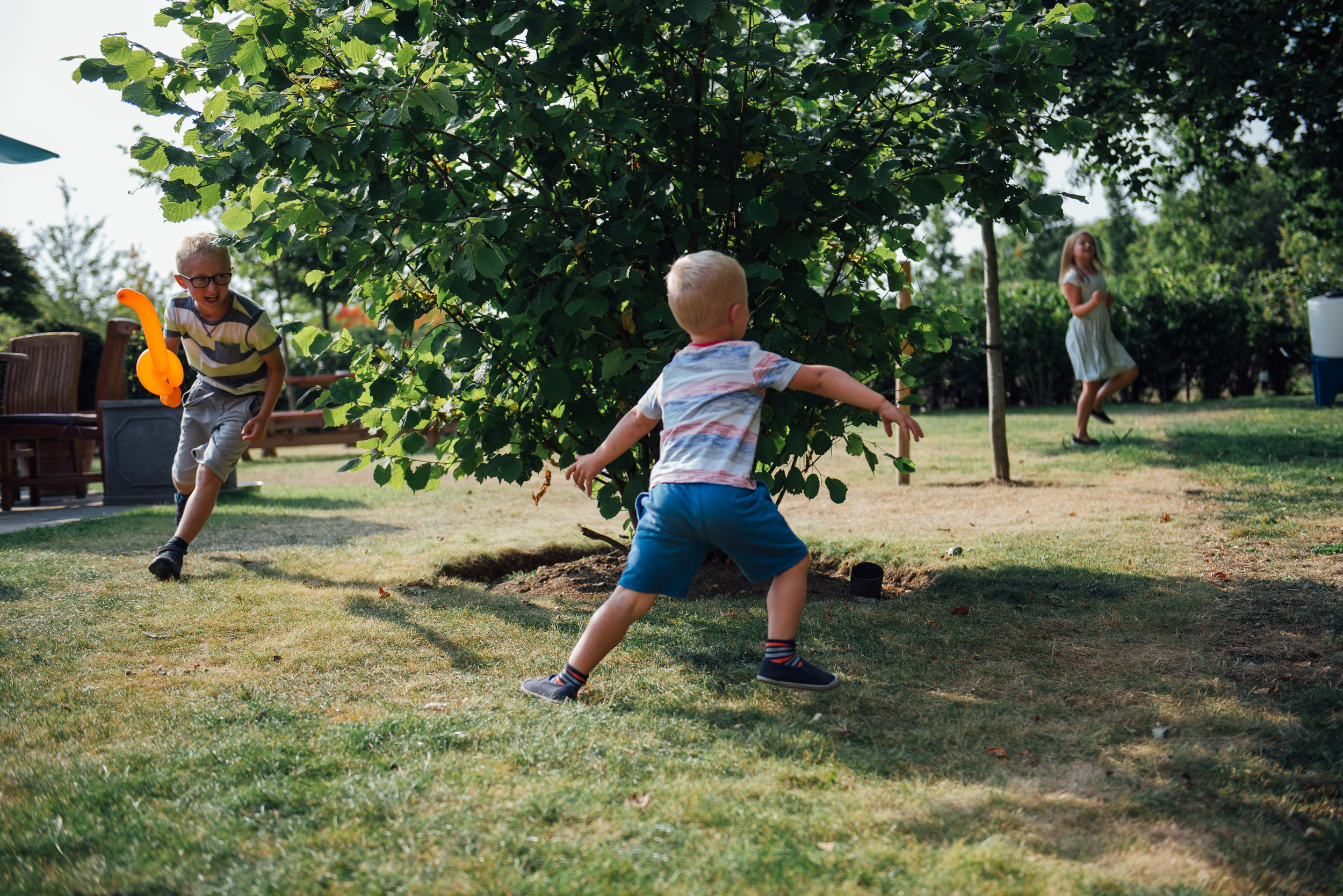 GARDEN_CHILDREN_PLAYING_LANDSCAPE_6.jpg