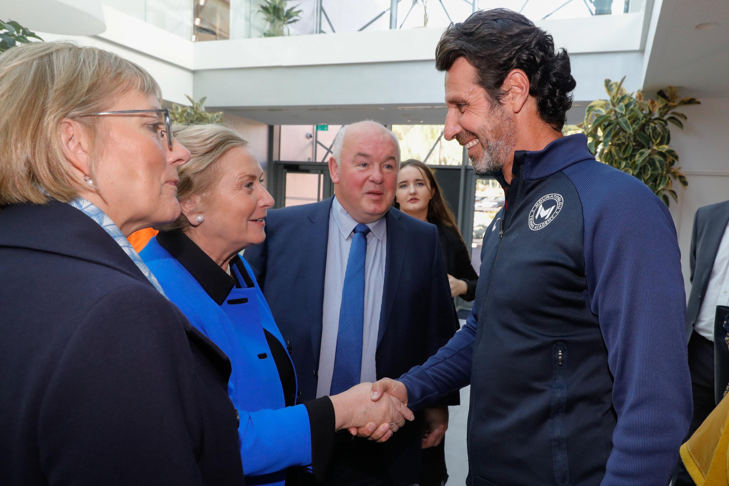 Patrick Mouratoglou et la vice-Premier ministre irlandais