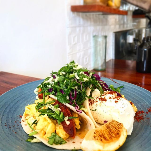 Weekend breaky banger!!! Soft breakfast tacos with chorizo, scrambled eggs, labneh, red beans and smoked paprika! #coolangattabrunch #goldcoastfood #coolangatta @mph15
