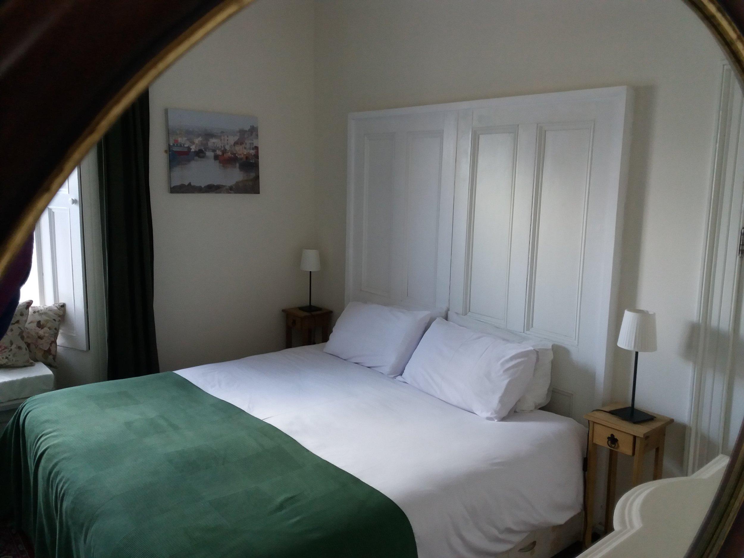 Room2a.jpg