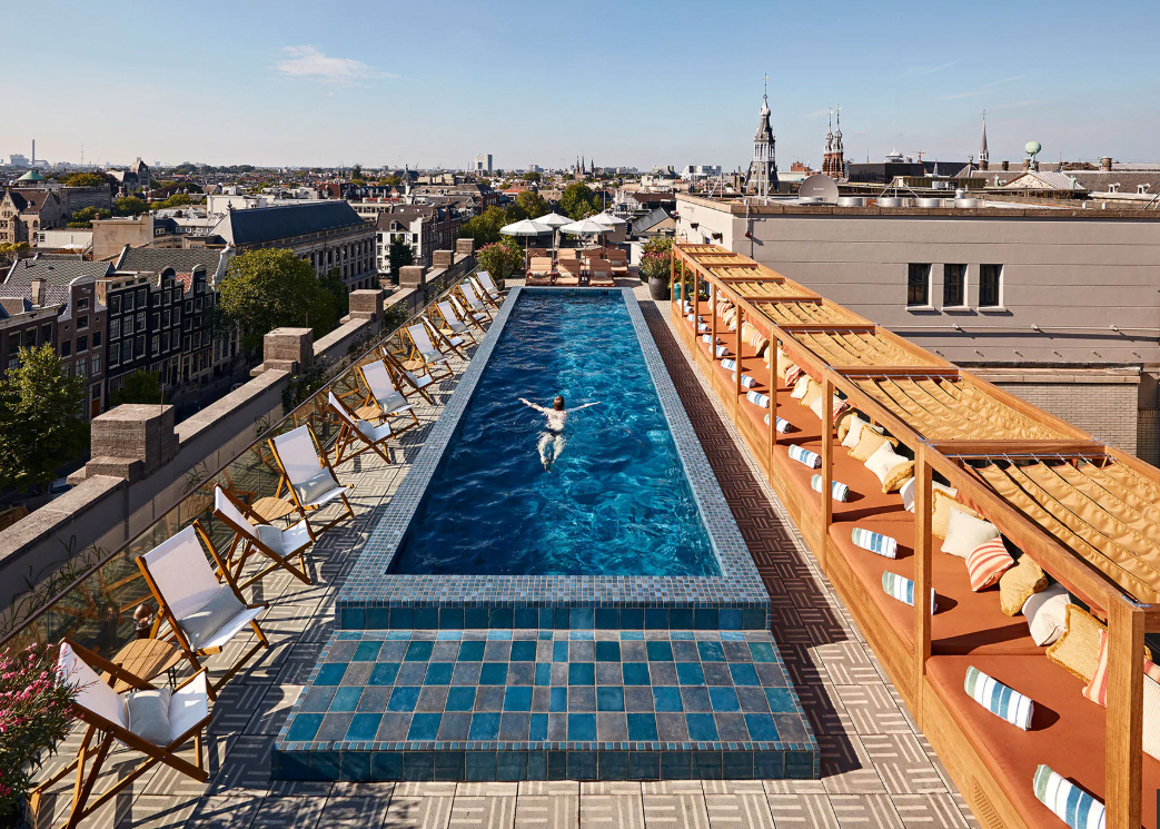 The rooftop pool was engineered, built and installed by 4SeasonsSpa.