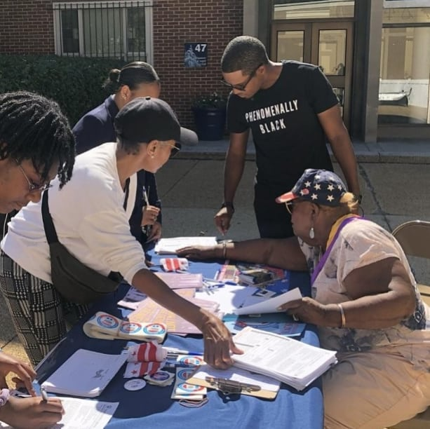 On Tuesday, @renaldopearson wrapped up a +700 mile walk from ATL to DC at a voter registration eveny with Linda Softli, our VP for Voter Services.  #NationalVoterRegistrationDay