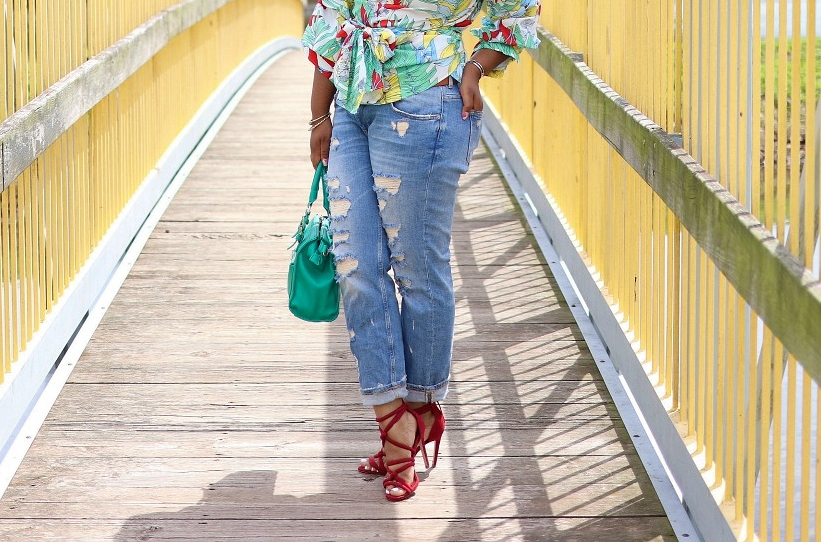 Boyfriend Jeans, Red Strappy Sandals, and Kelly Green Purse