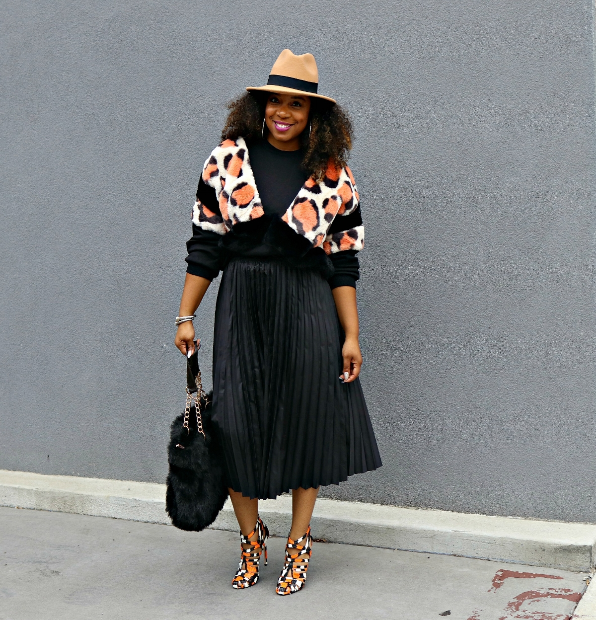 Animal Print Sweatshirt and pleated midi skirt