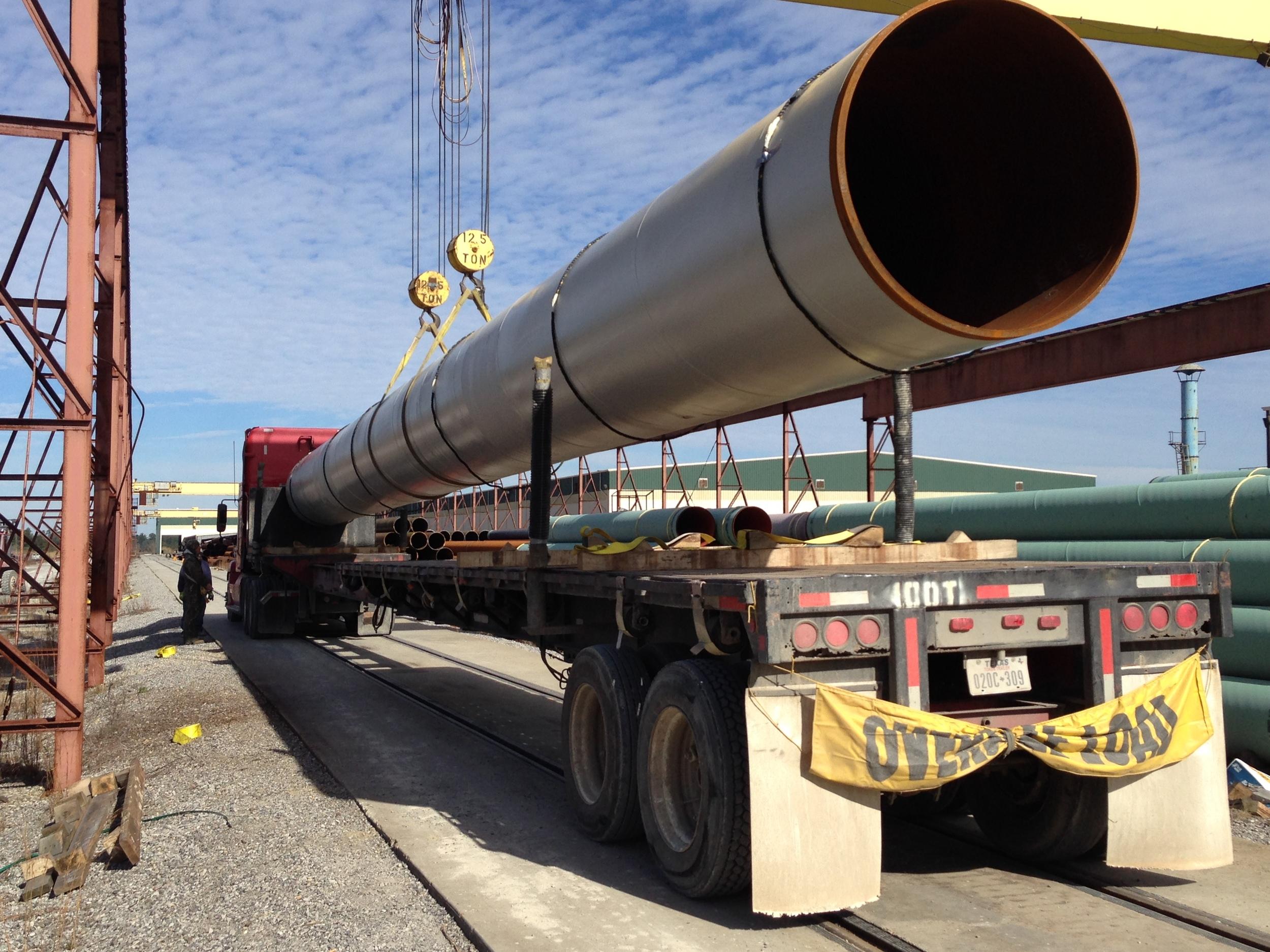 long pipe trucking.JPG