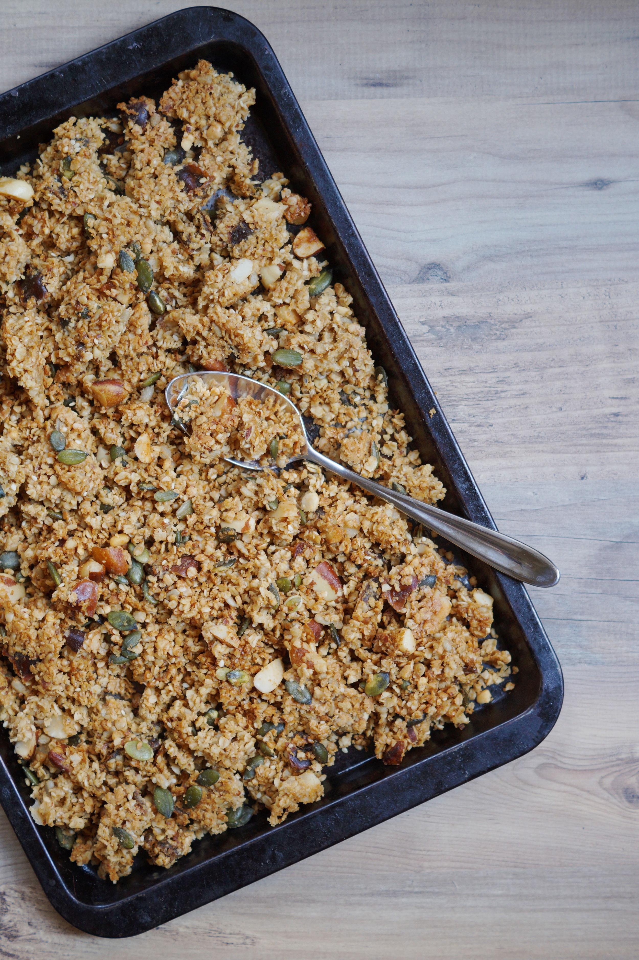 baked granola.jpg