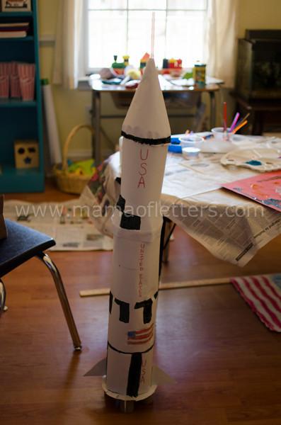 cardboard model Saturn V-L