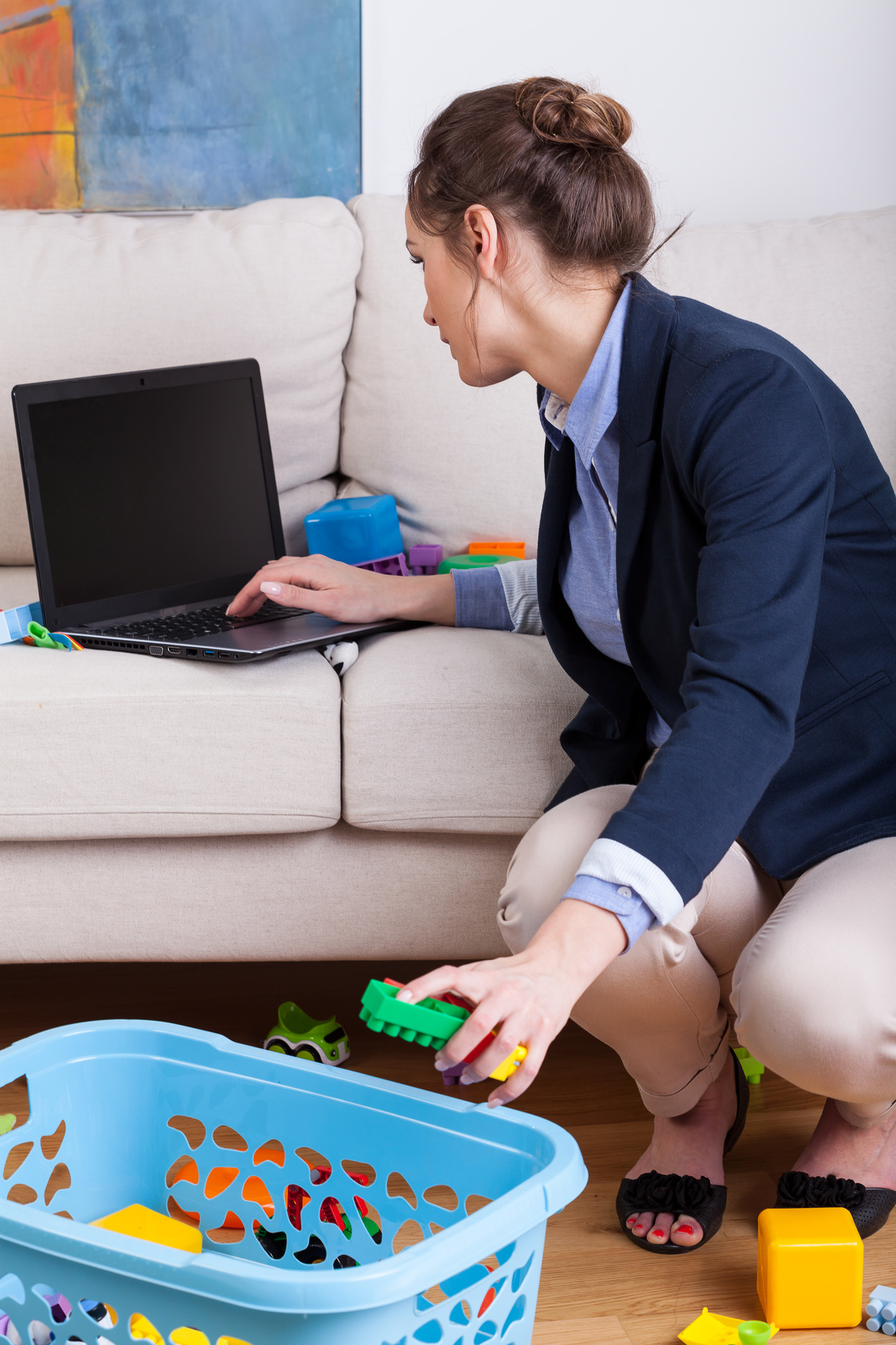 Is it possible to homeschool and be a working mom?