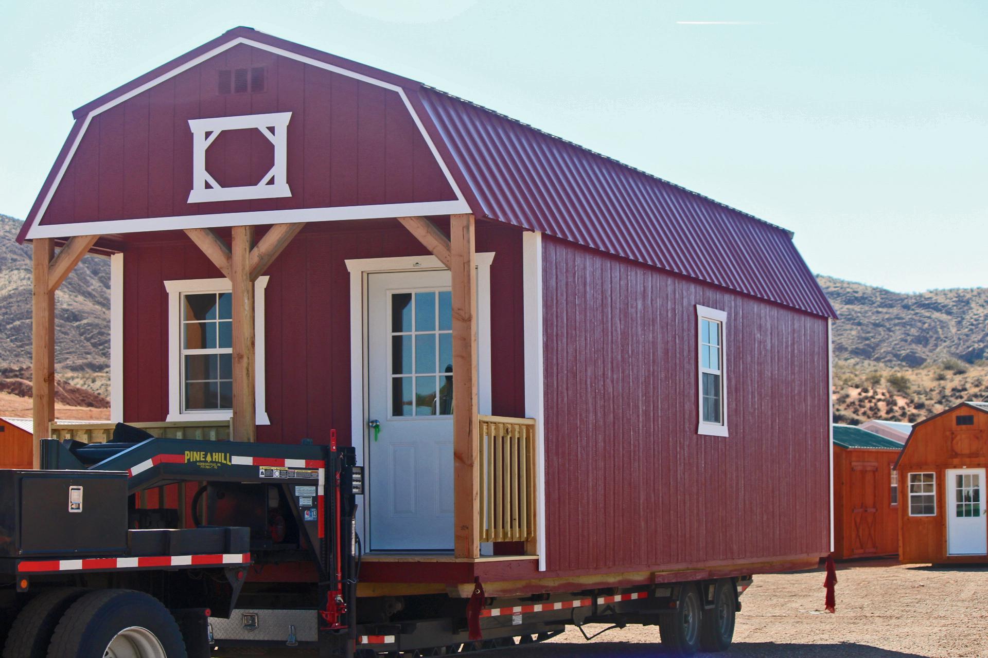 Storage building with loft