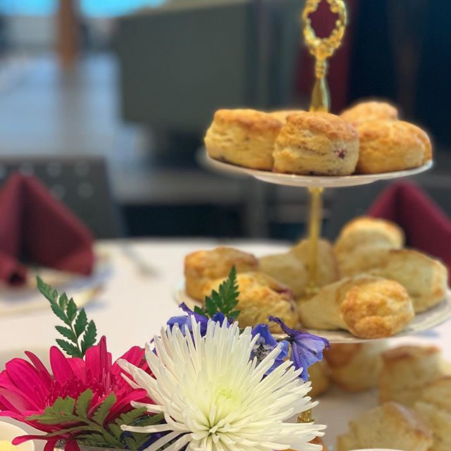 Scones and flowers never get old... Happy 50th birthday @telfer_uottawa ! . . . 📸: @nataliablair