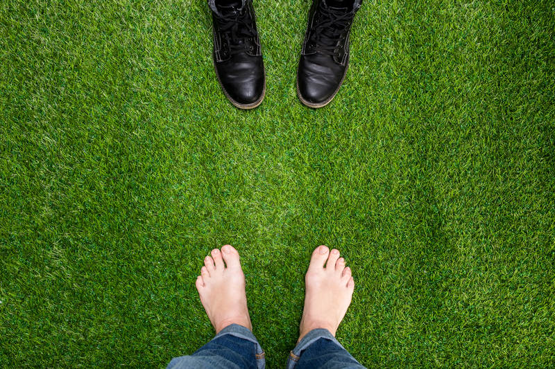 dreamstime_opposite shoes.jpg