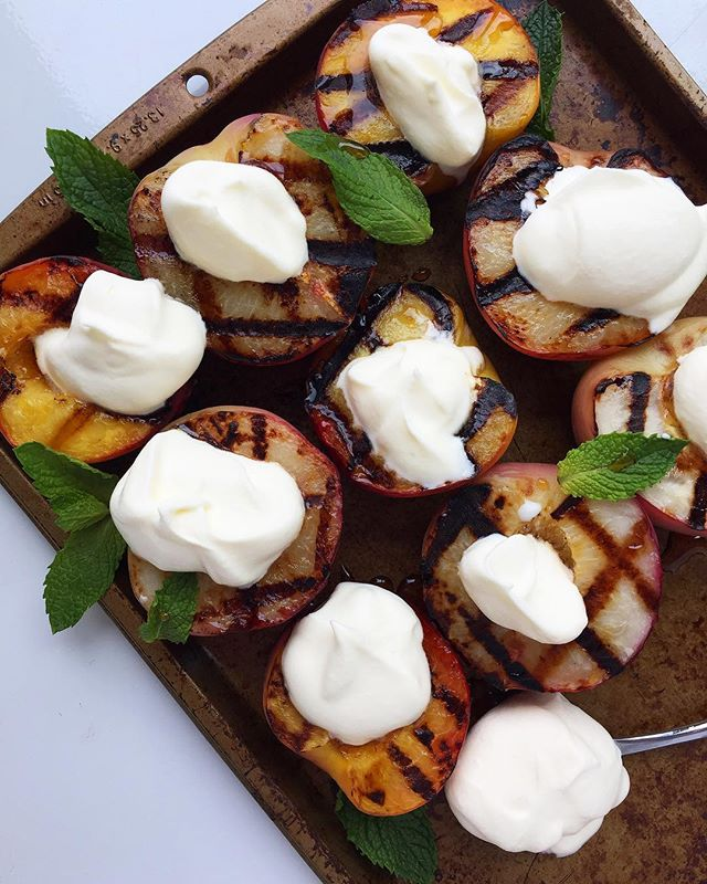 Happy first day of summer AND #NationalPeachesandCreamDay 🍑 Of course we are celebrating with food...grilled peaches to be exact! Top them with freshly made whipped cream made with @horizonorganic Heavy Whipping Cream for the perfect #summertreat