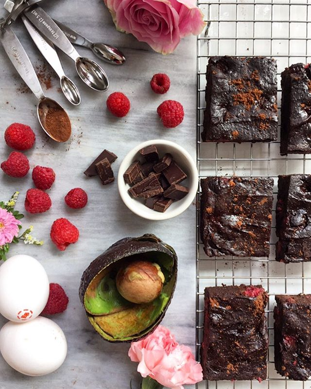 Craving something sweet? Try this guilt-free treat made with four amazing superfoods packed with antioxidants! @egglandsbest #EBEggs, Raspberries, Avocado, and Cacao. . . . Www.egglandsbest.com/recipe/dark-chocolate-raspberry-brownies/