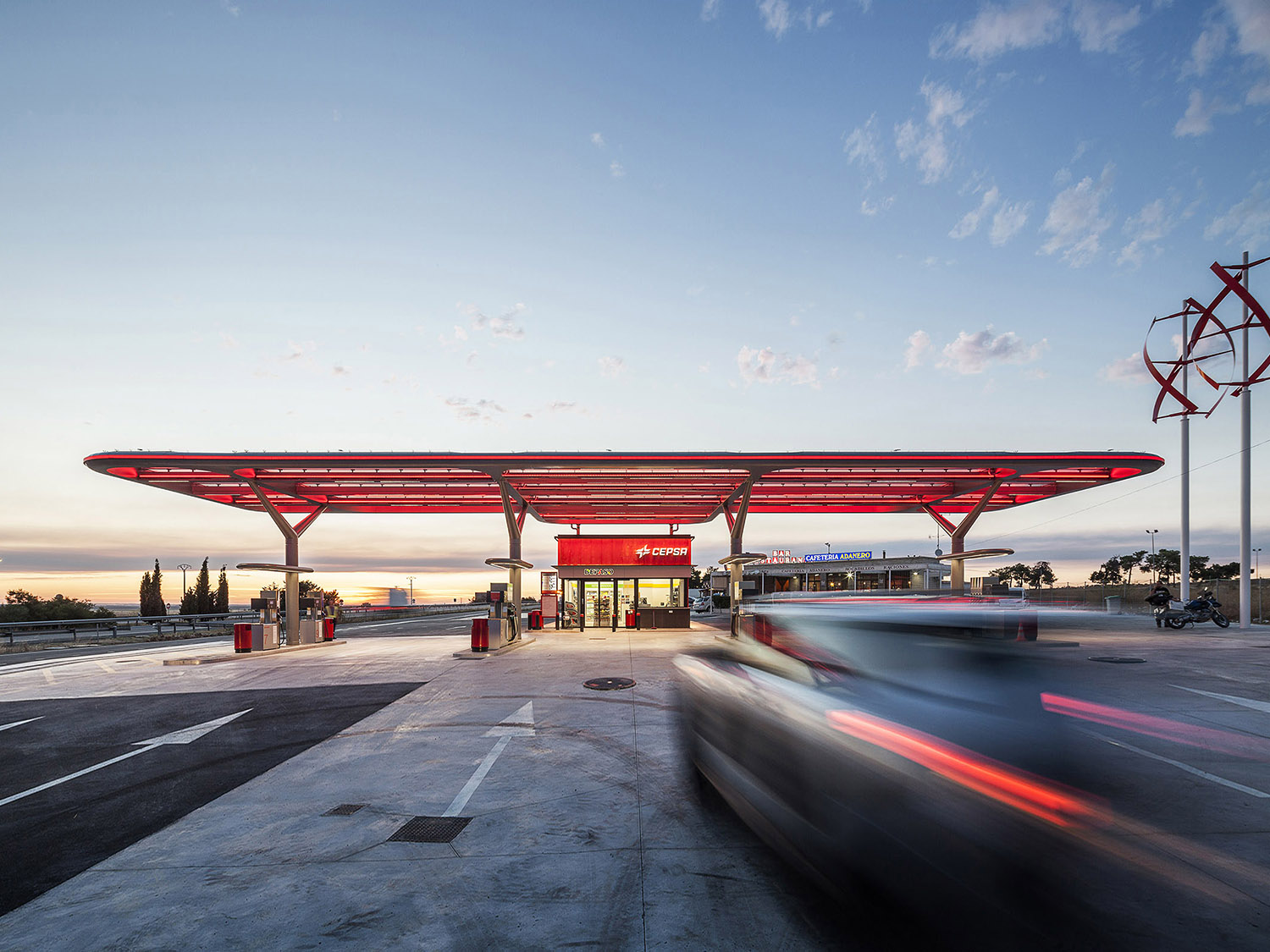CEPSA Flagstation by M+P, Saffron Brand and Aureolighting in Ávila, Spain