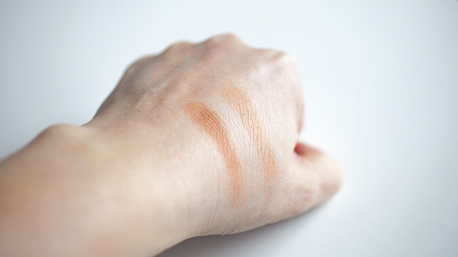 Bronzer in The Afternooner (L), Gold Dust (R)