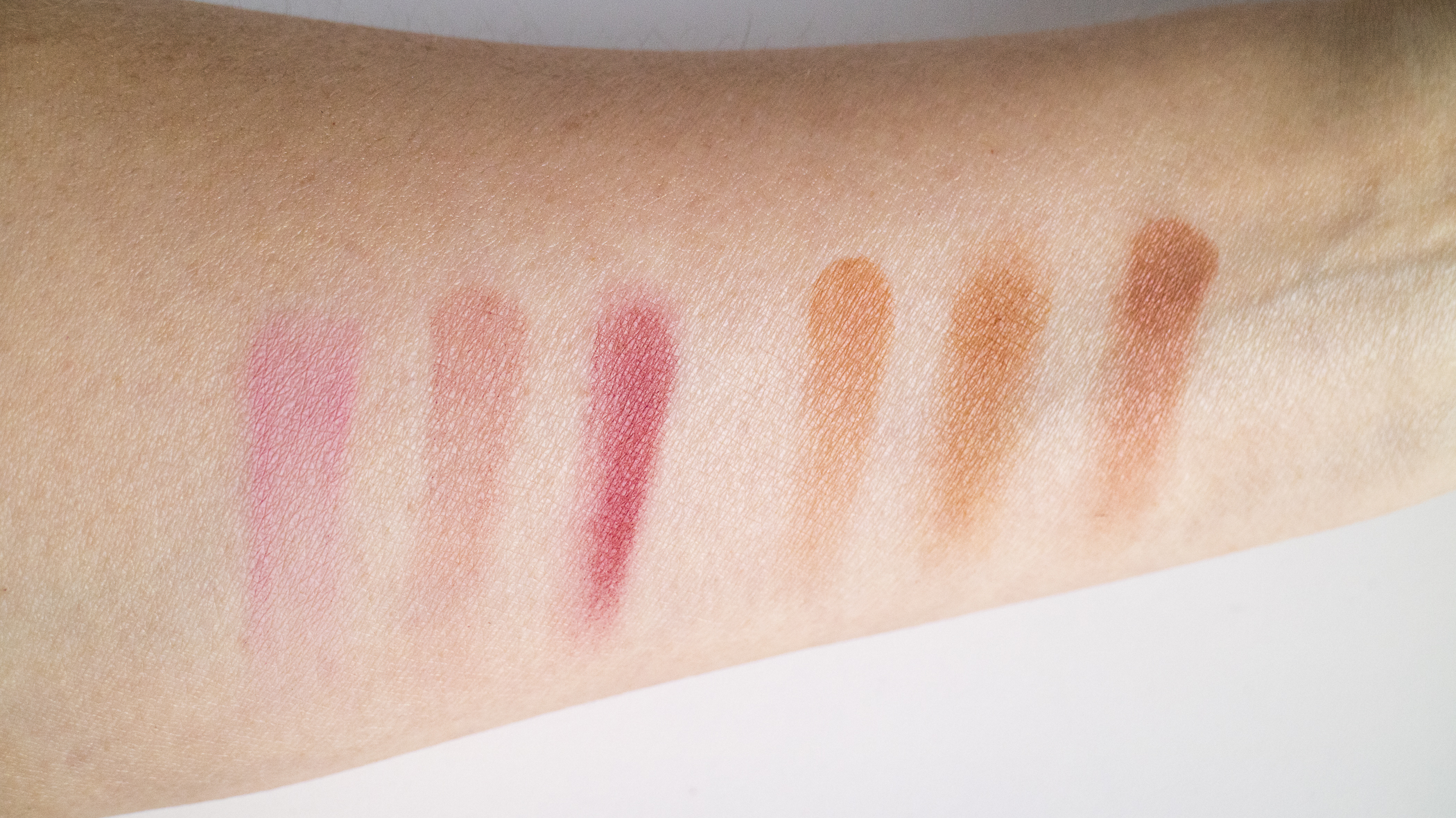 Viseart Blusher Palette in Plum Bronze swatched.