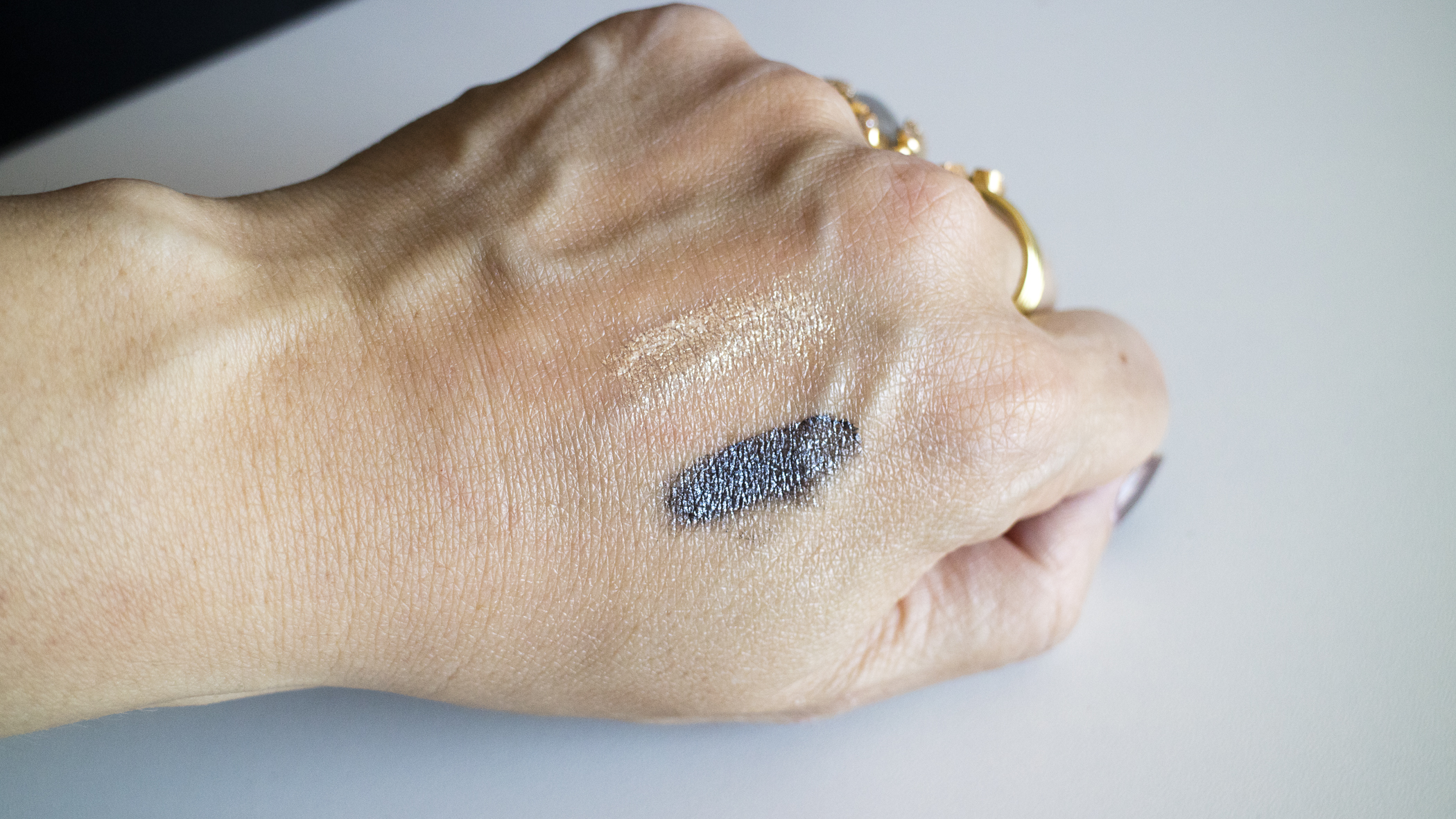 Eye Foils swatches - Blonde Gold (top), Burnt Anise (bottom)