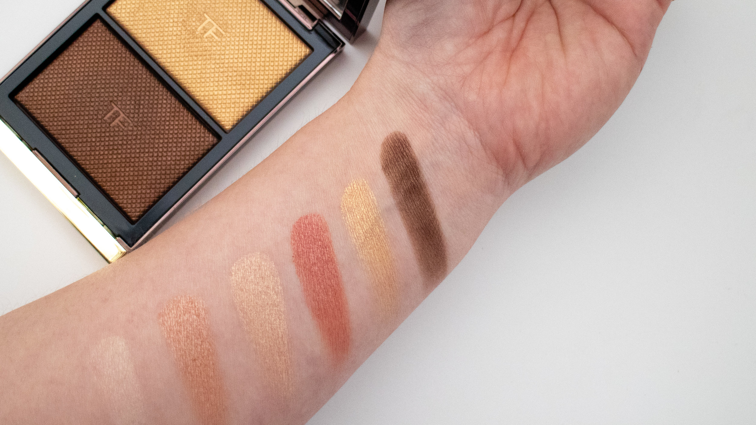 Swatches of Tom Ford Skin Illuminating Powder Duo in Flicker