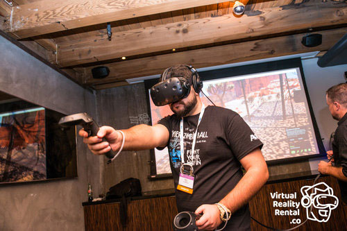 A10 RSA Conference Event Attendee Trying VR