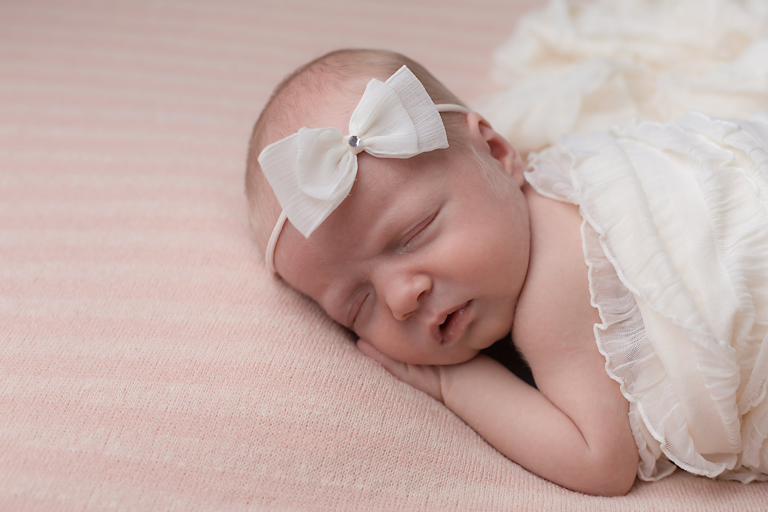 Danirosephotography.newbornphotographeraberdeen.b.jpg