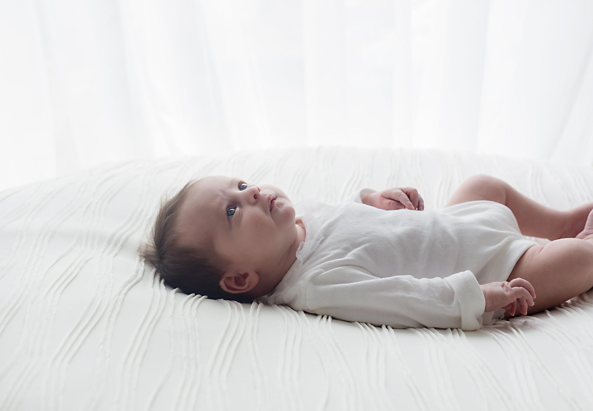 Danirosephotography.newbornphotographeraberdeen.minisession.2.jpg