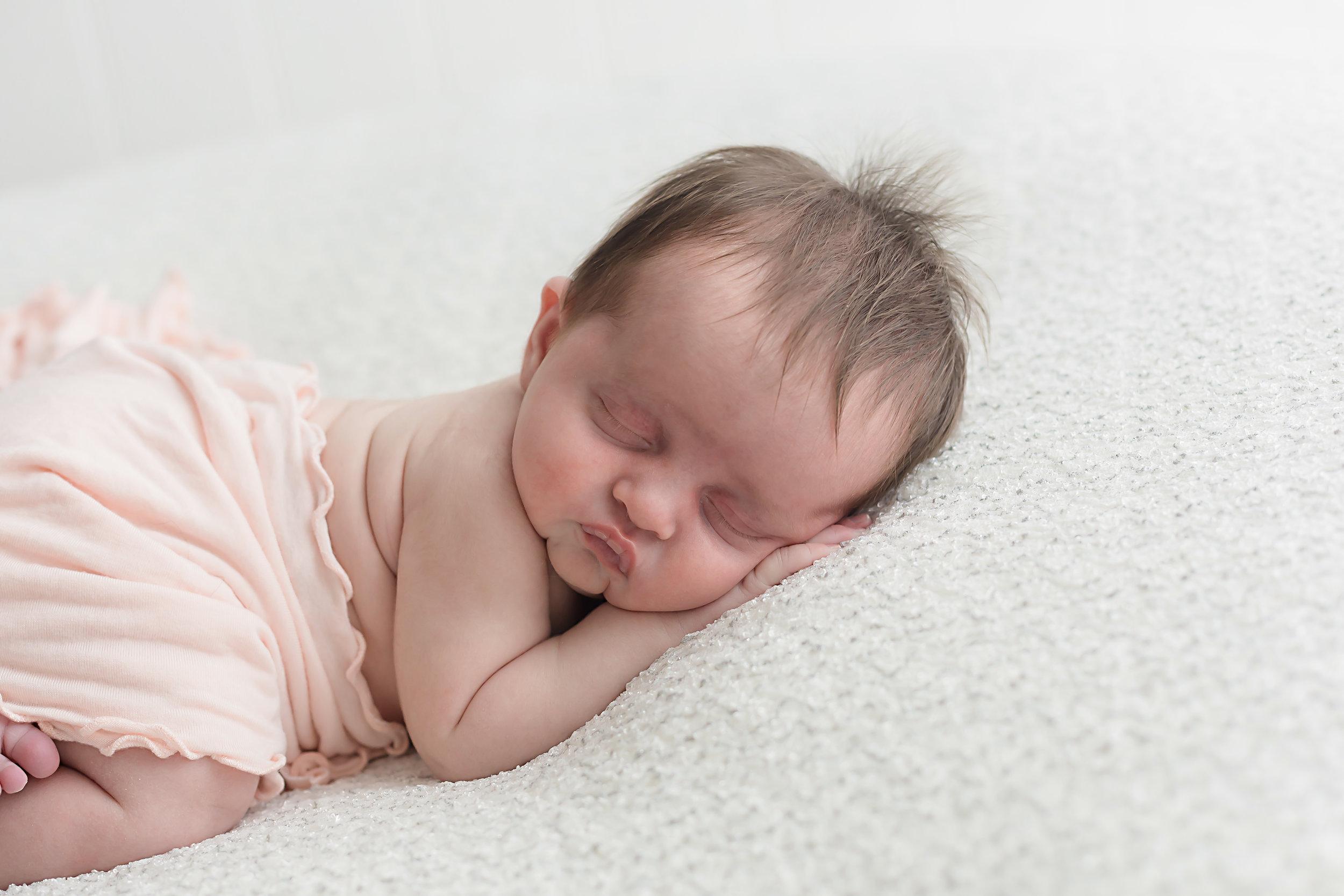 Danirosephotography.newbornphotographeraberdeen.minisession.5.jpg