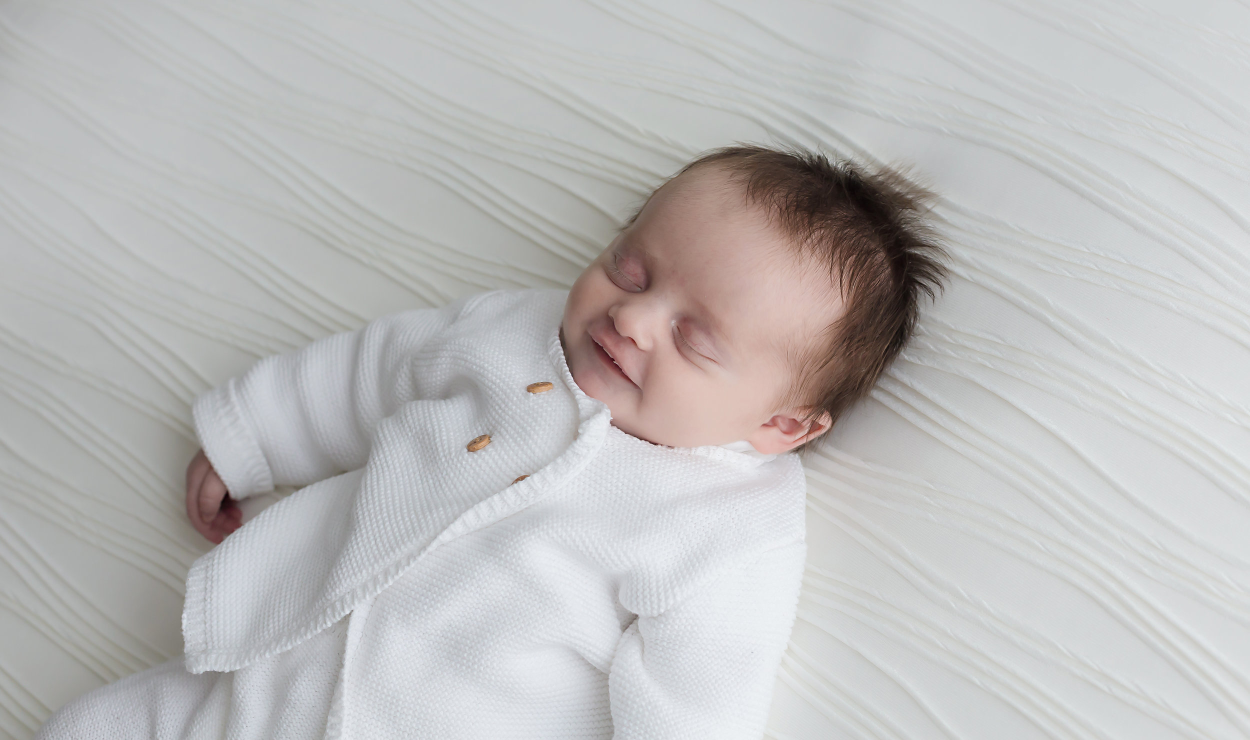 Danirosephotography.newbornphotographeraberdeen.minisession.jpg