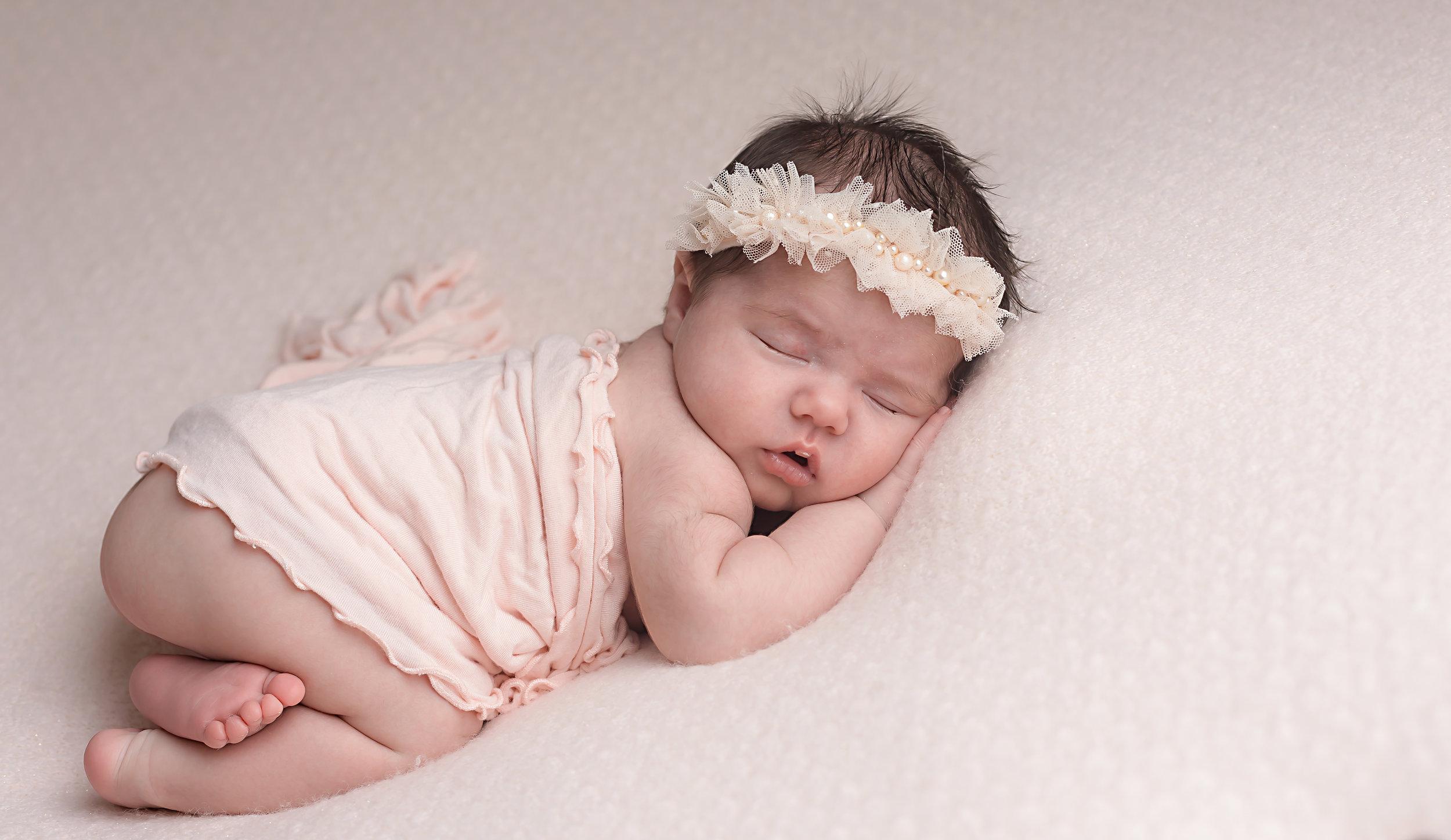 Danirosephotography.newbornphotographeraberdeen.babyphotography.3.jpg