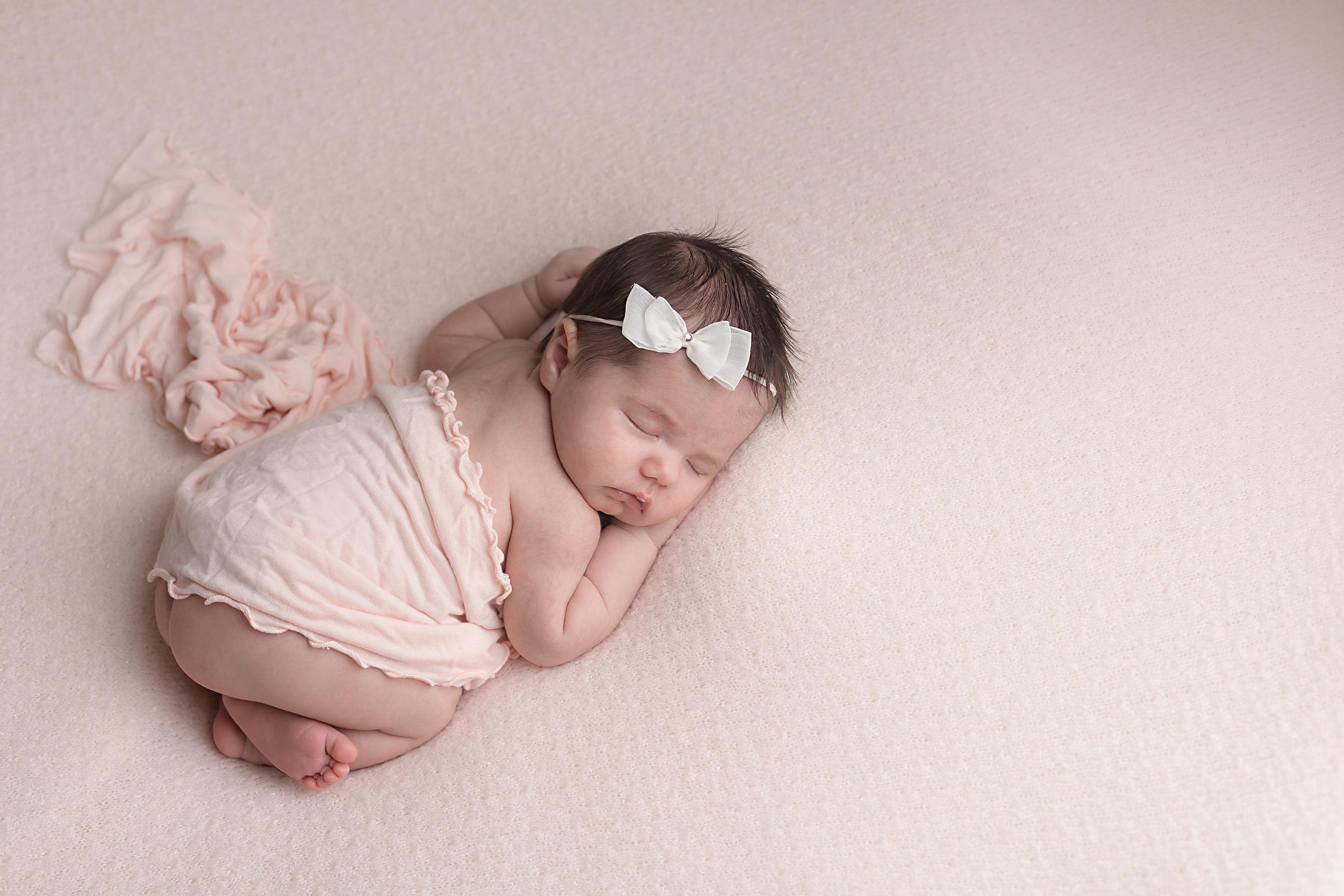 Danirosephotography.newbornphotographeraberdeen.babyphotography.2.jpg