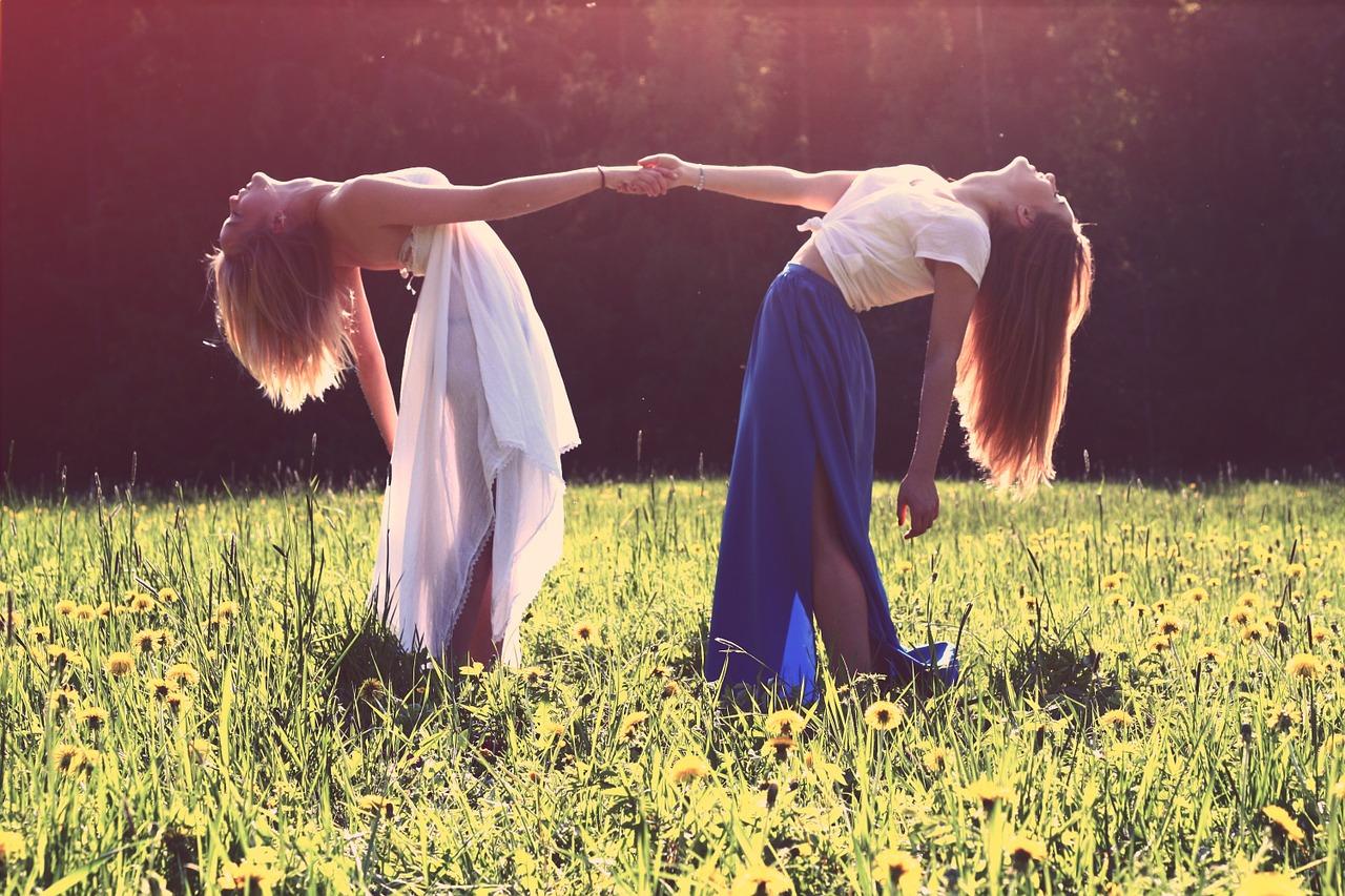 girls-839809_1280.jpg