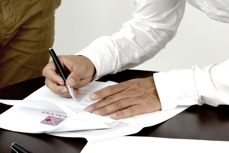 signature-2003808_960_720.jpg