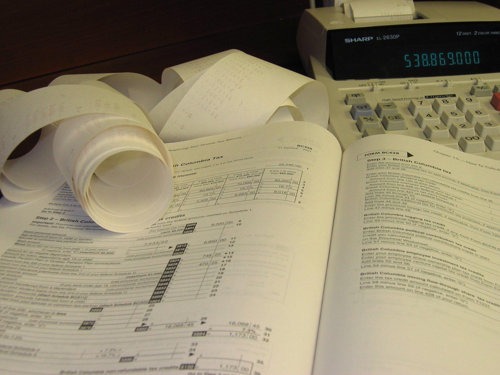 accounting-calculator-tax-return-1241864.jpg