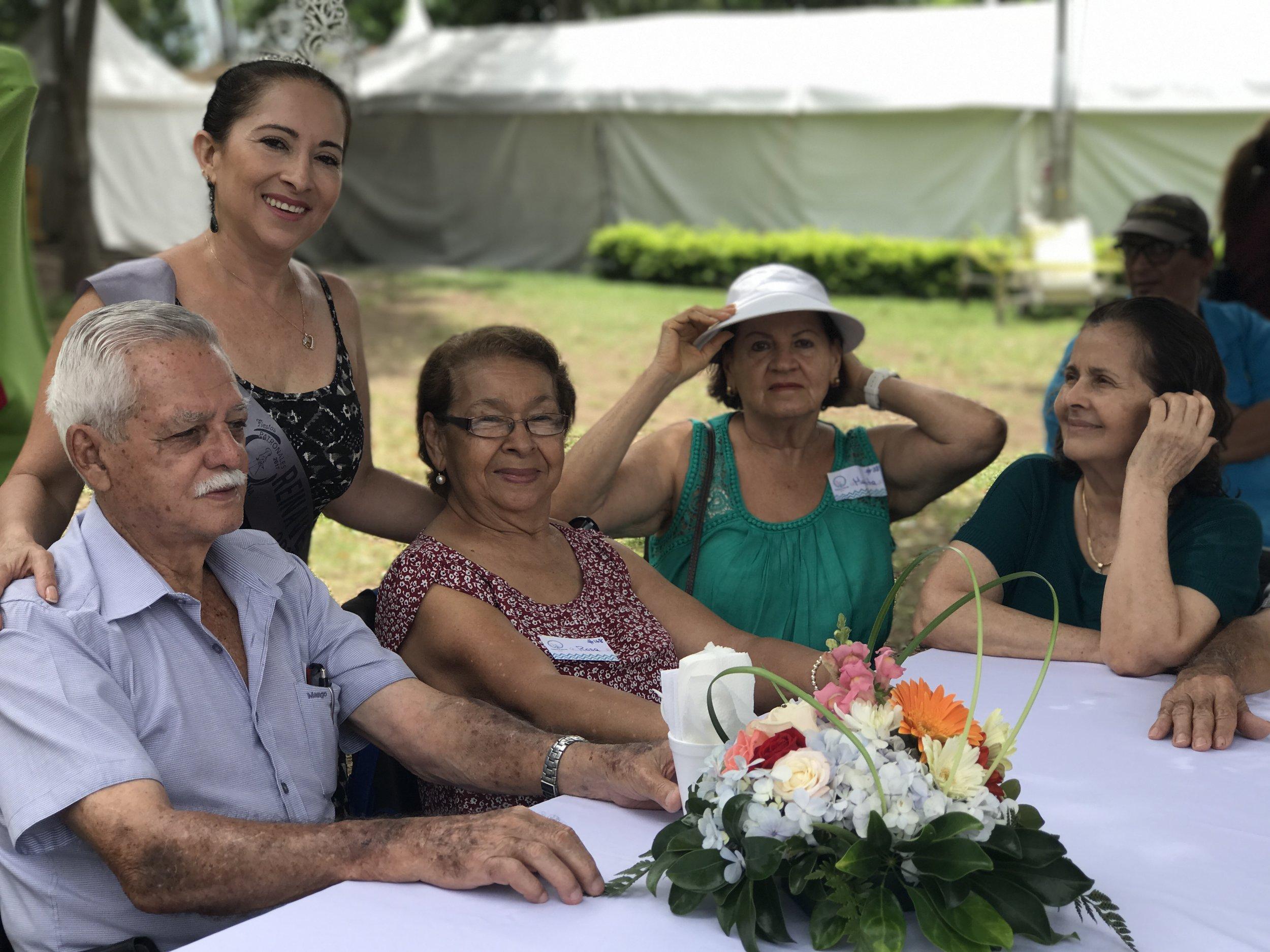 Gracias a la Reina de los Festejos, Teresa Villegas, presente en todas las actividades, siempre con su sonrisa y compartiendo con todos.