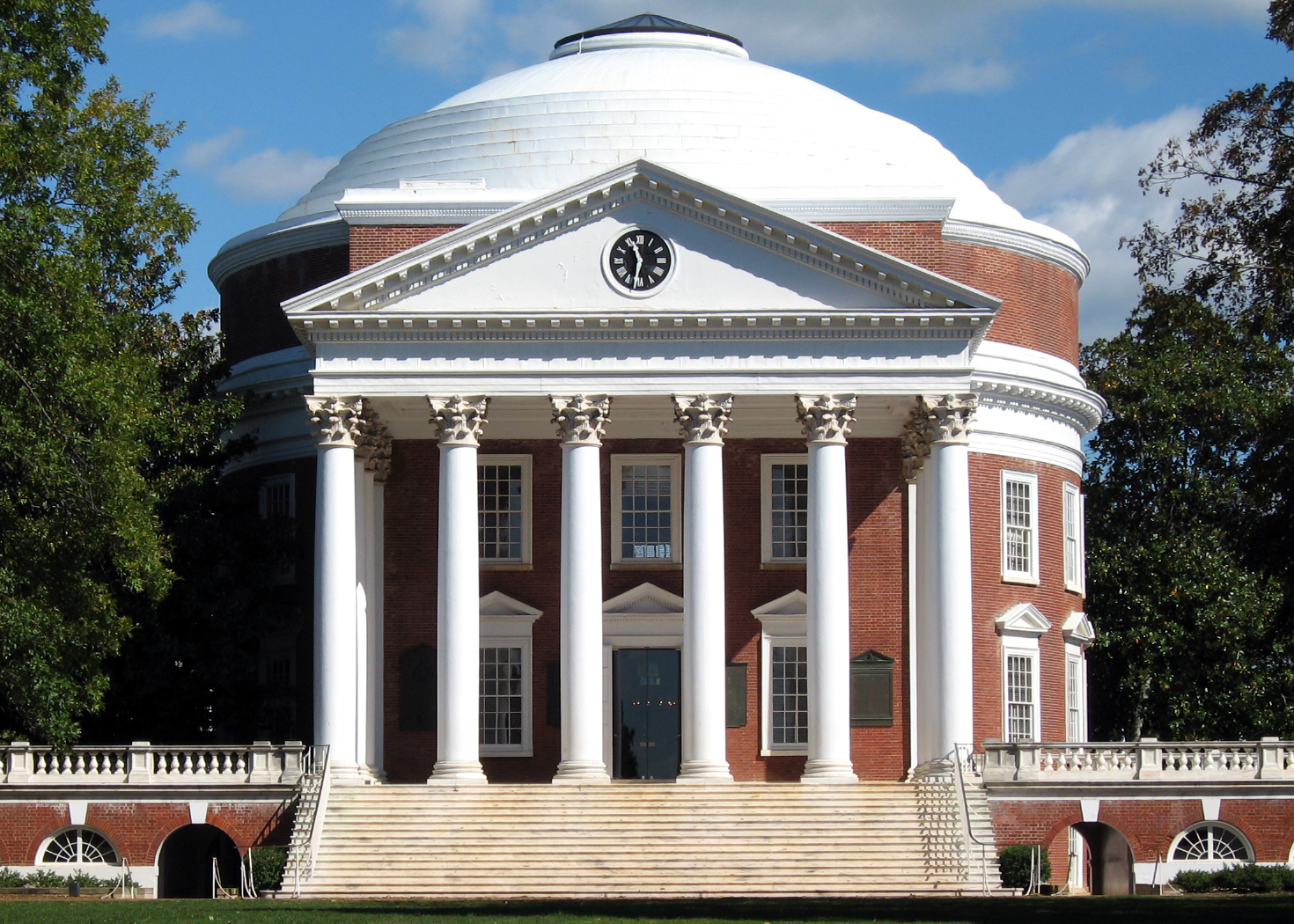 The UVA Rotunda. Photo by Aaron Josephson, public domain via  Wikimedia .