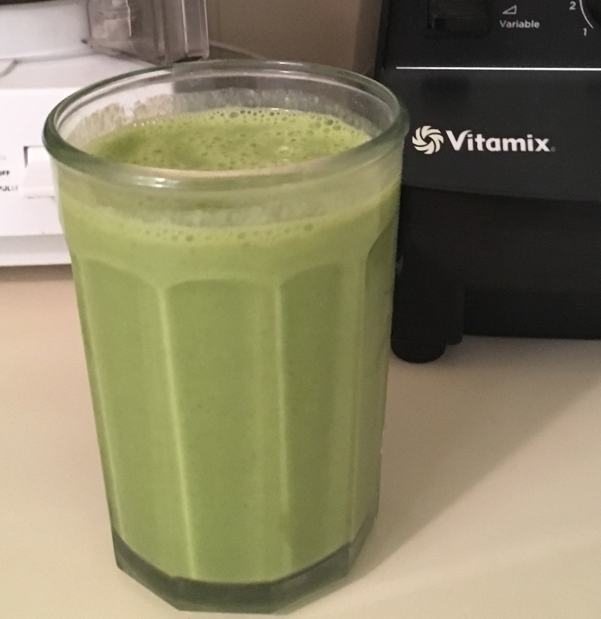 tropical green ginger smoothie.jpg