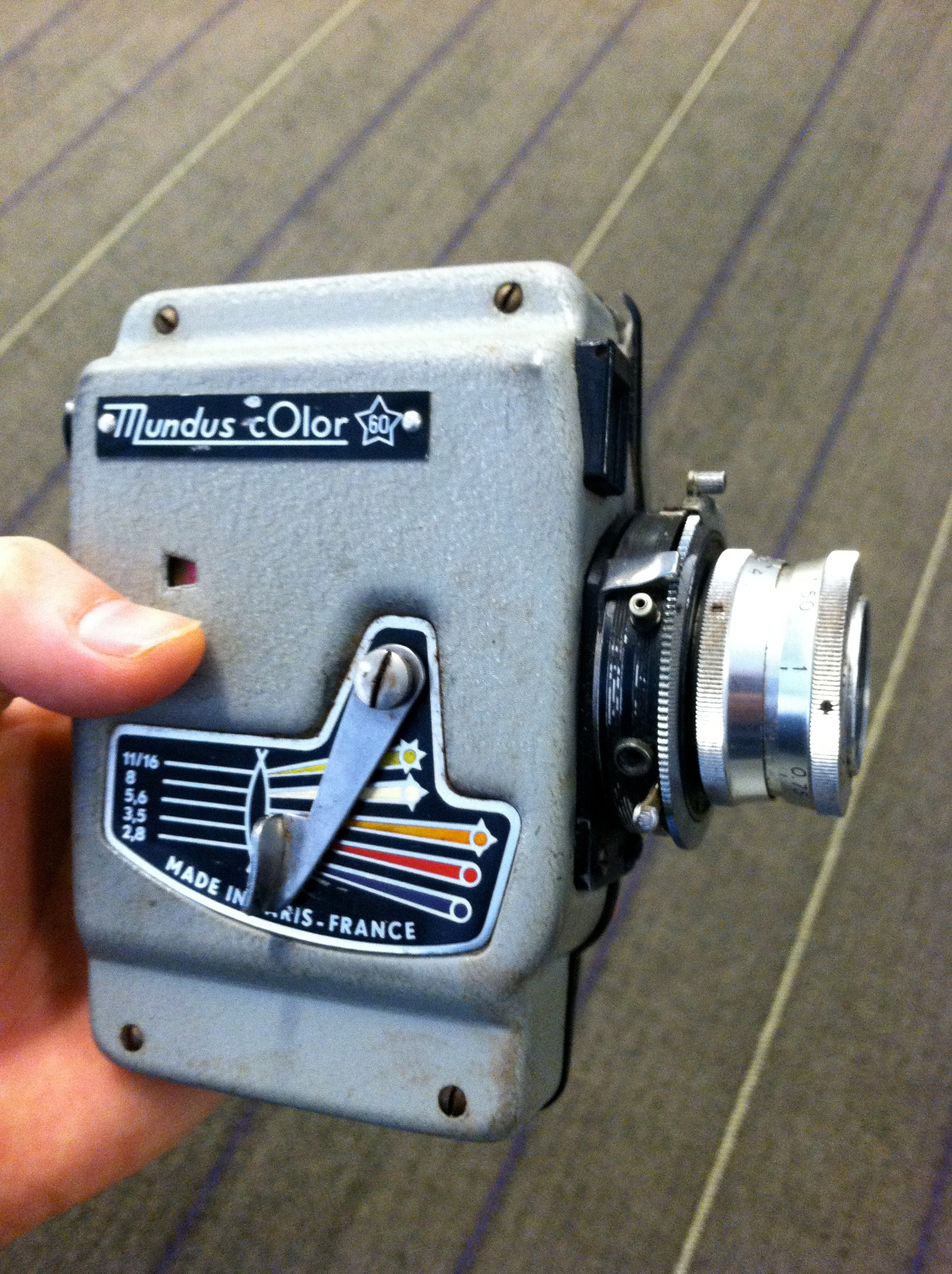 The Mundus Color 60 is one of the most beautifully designed cameras of the 60s.